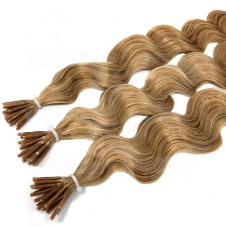 Extensions à froid frisées blond doré