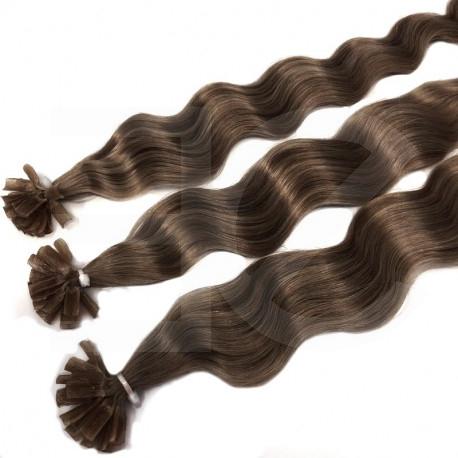 Extensions à chaud châtain noisette cheveux frisés 50 cm